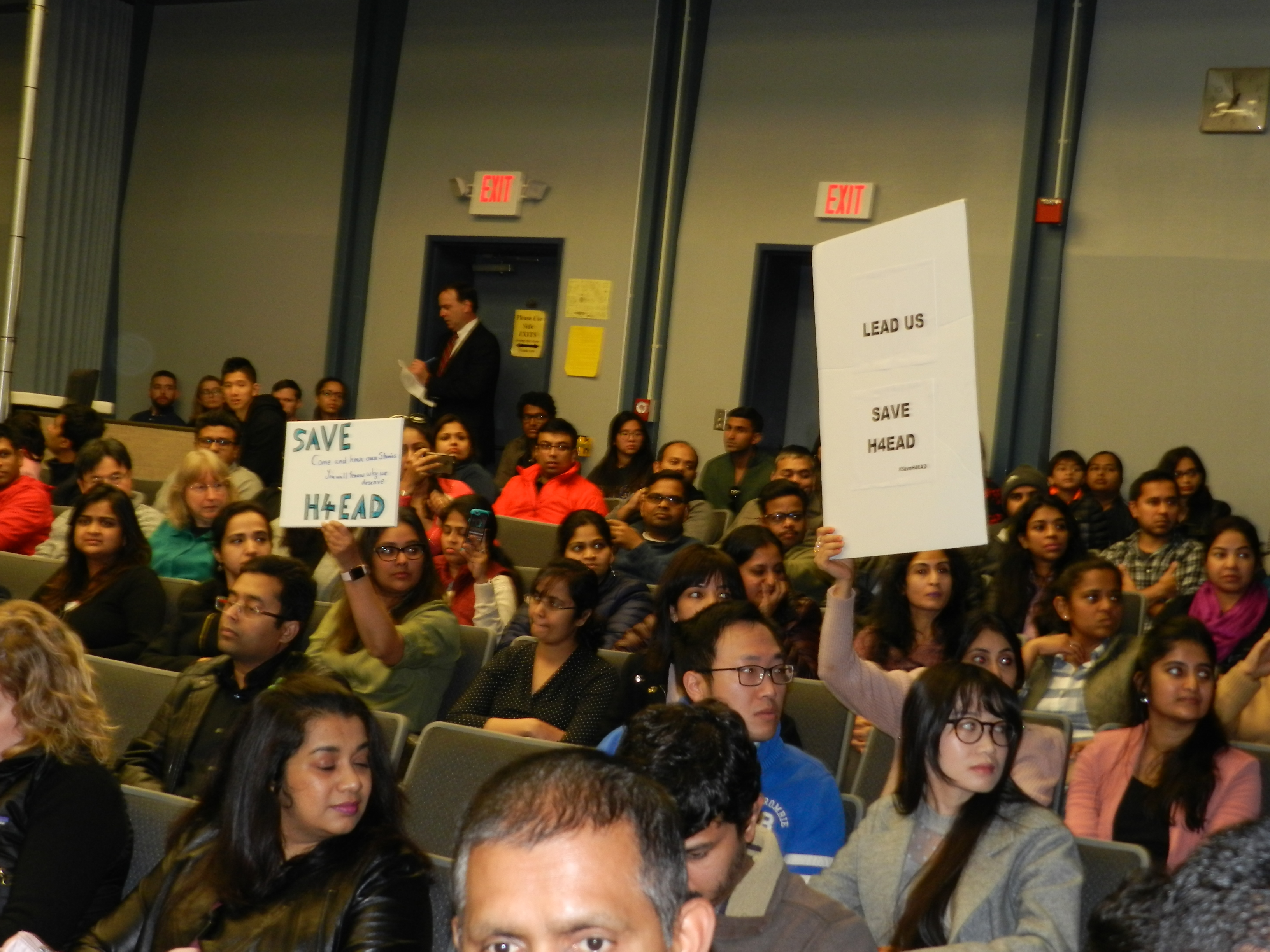 Visa issues dominate Ro Khanna town hall - Indica News