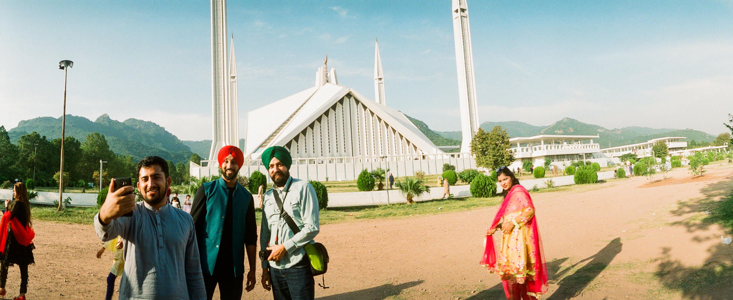 Selfies_with_Amrinder Singh and Inderjit Singh at Faisal Mosque Islamabad Photo by AK Sandhu